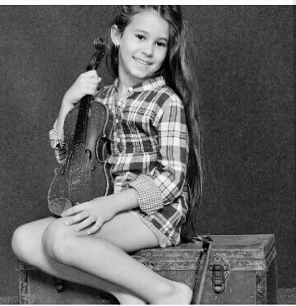Portrait One Person Happiness Beauty Plucking An Instrument Black And White Smiling Fashion Looking At Camera MyNiece Beautiful ♥ Linda 💜 NIÑABONIITA MiSobrina ModeloEspecial