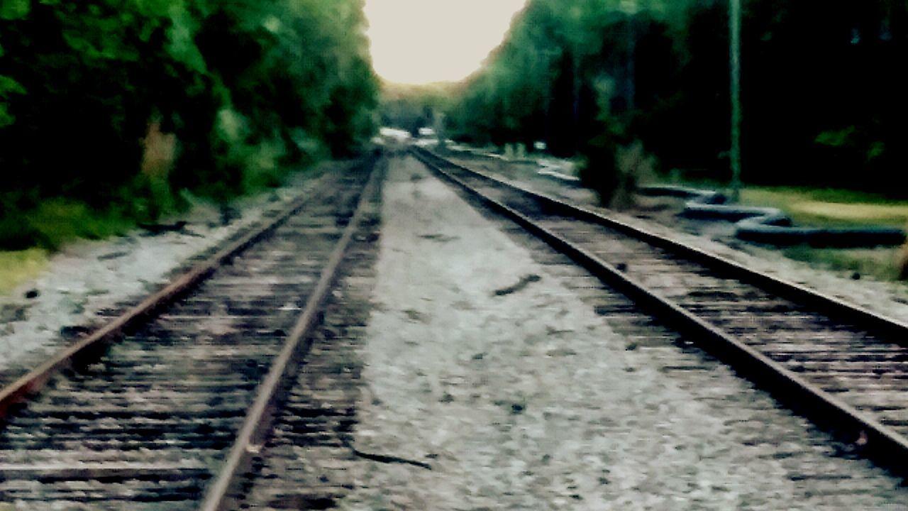 railroad track, transportation, rail transportation, the way forward, diminishing perspective, no people, railway track, railroad, day, public transportation, straight, railroad tie, outdoors, nature, close-up