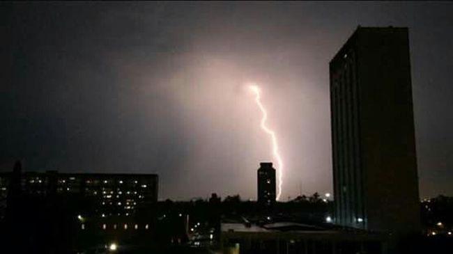 Tormenta electrica en tlatelolco