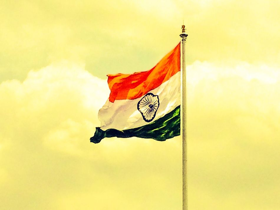 "Respect For This Never Ends....""Wavin Flag""... Favourite Picture National Flags Mvphotography India National Flag Indian Flag Respect For Country Goosebumps Love Beauty Awesome Click Indian INDIAN FLAG COLOURS"