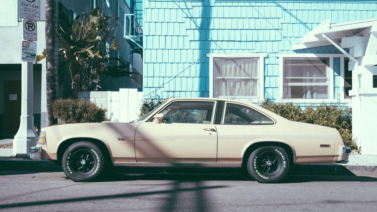 Circa 1977 Pontiac Ventura near #abbotkinney Abbotkinney Car Classic Classiccar Parked ParkwayInCali Pontiac # Street Transportation Ventura Vintagecar