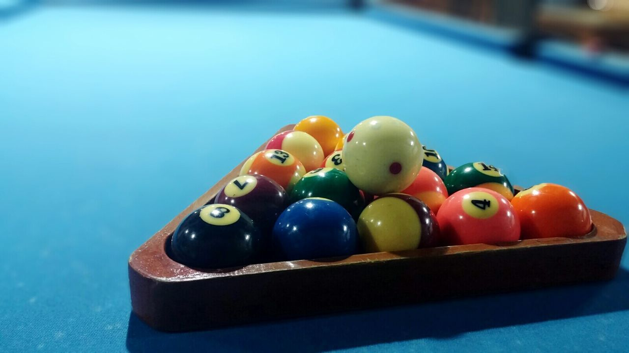 After Focus Pro Light And Shadow Billiard Urban Lifestyle All The Neon Lights
