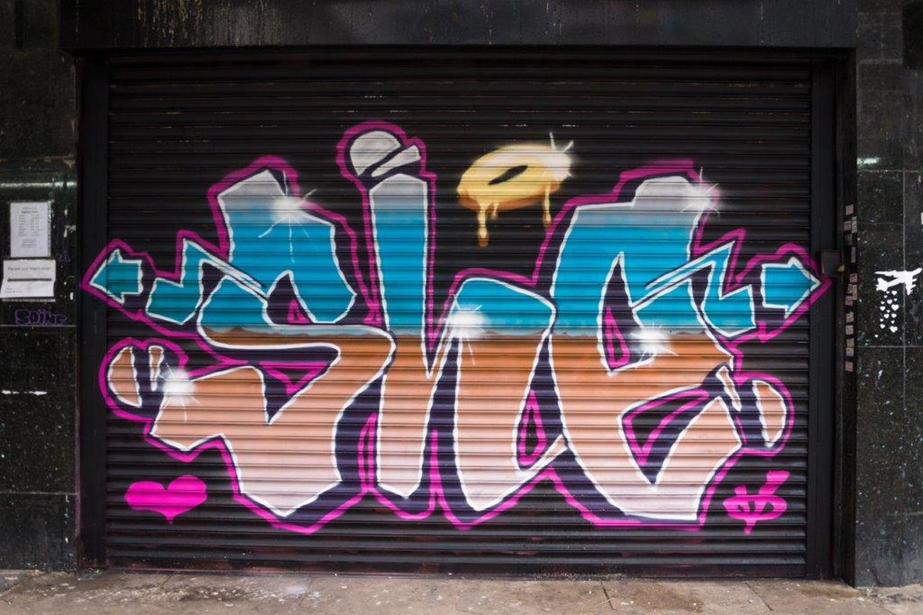 Live, Love, Laugh Spray Can Artwork Multi Colored Graffiti England🇬🇧 Streetart Creativity Street Art Art Graffiti Art ArtWork Urbanarts Streetartphotography London StreetArtEverywhere LONDON❤ STRRET ART/GRAFFITI Londra Spray Paint UrbanART She