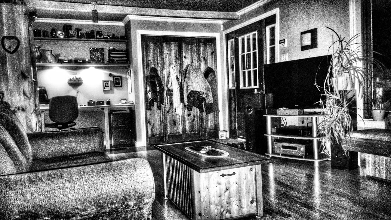 Living Room Media Room Tv Room Black & White Relaxing Taking Photos Smartphonephotography G3