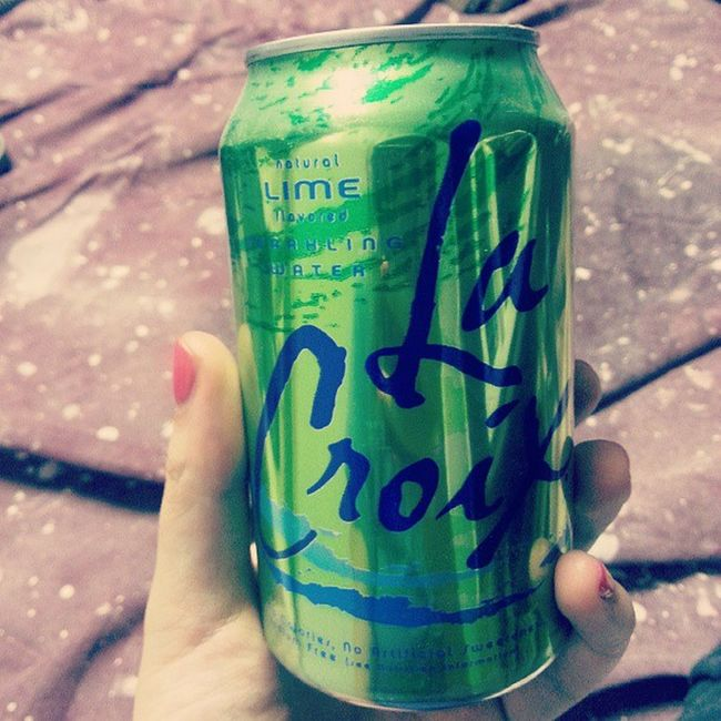 I'm never drinking soda again. Newobsession Sparklingwater Withlime