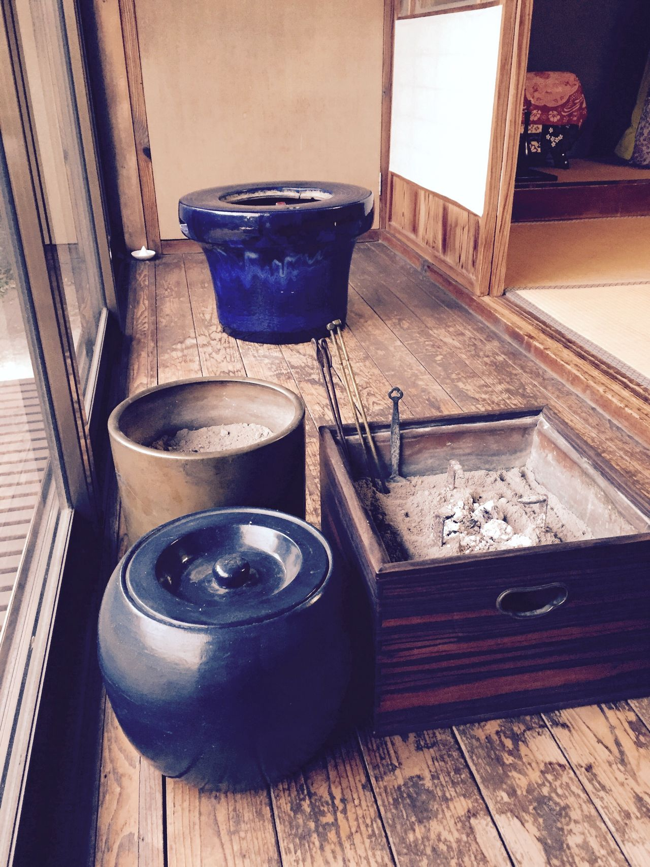 笙を暖めたり、人の心も暖めたり…。 里山 自然 田舎 火鉢 火消し壺 Japan Nature Countryside Brazier Firefighter Pot