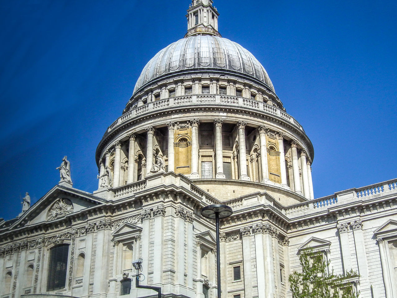 Architecture Building Exterior Built Structure City Day Dome England Gran Bretagna Great Britain Großbritannien Inghilterra London Londra Low Angle View No People Outdoors Place Of Worship Religion Sky Spirituality Tourism Travel Travel Destinations