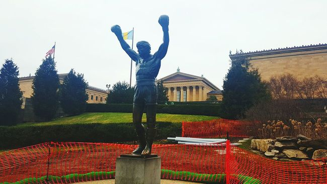 Rocky! An inspiration to a city and many more. Currently under construction but who isnt? Philadelphia Phillyphotographer Cityofbrotherlylove Lovemycity Walkwithme Streetsofphilly Cityscape Architecture Rocky Rockybalboa Artmuseum EyeEmLegend LoveeyeEm EyeEminLove BestofEyeEm Eyeembest Samsungphotography Galaxys6edge S6edge Showcase February Check This Out Getting Inspired Statue Legend Boxing