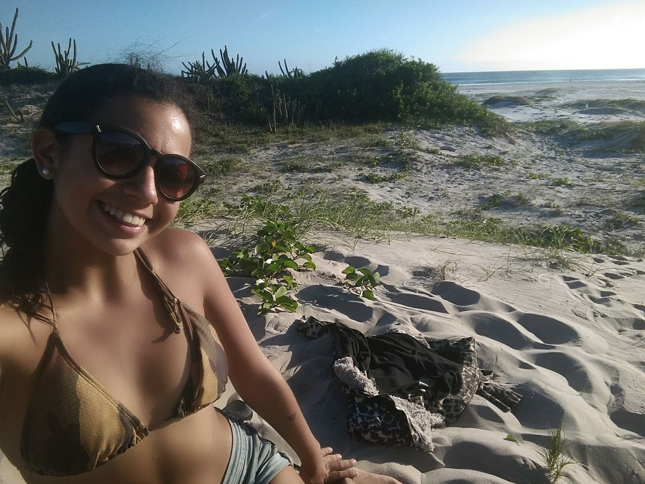 Beautiful Girl Happiness Portrait Traveller Travel Destinations Universe Paisajes Naturales Natureza Blue Sand Sea Beach Playa Arraial Do Cabo