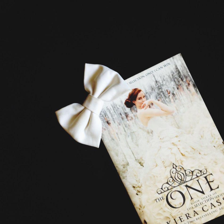 The One by Kiera Cass Books Gabskie Teens Philippines