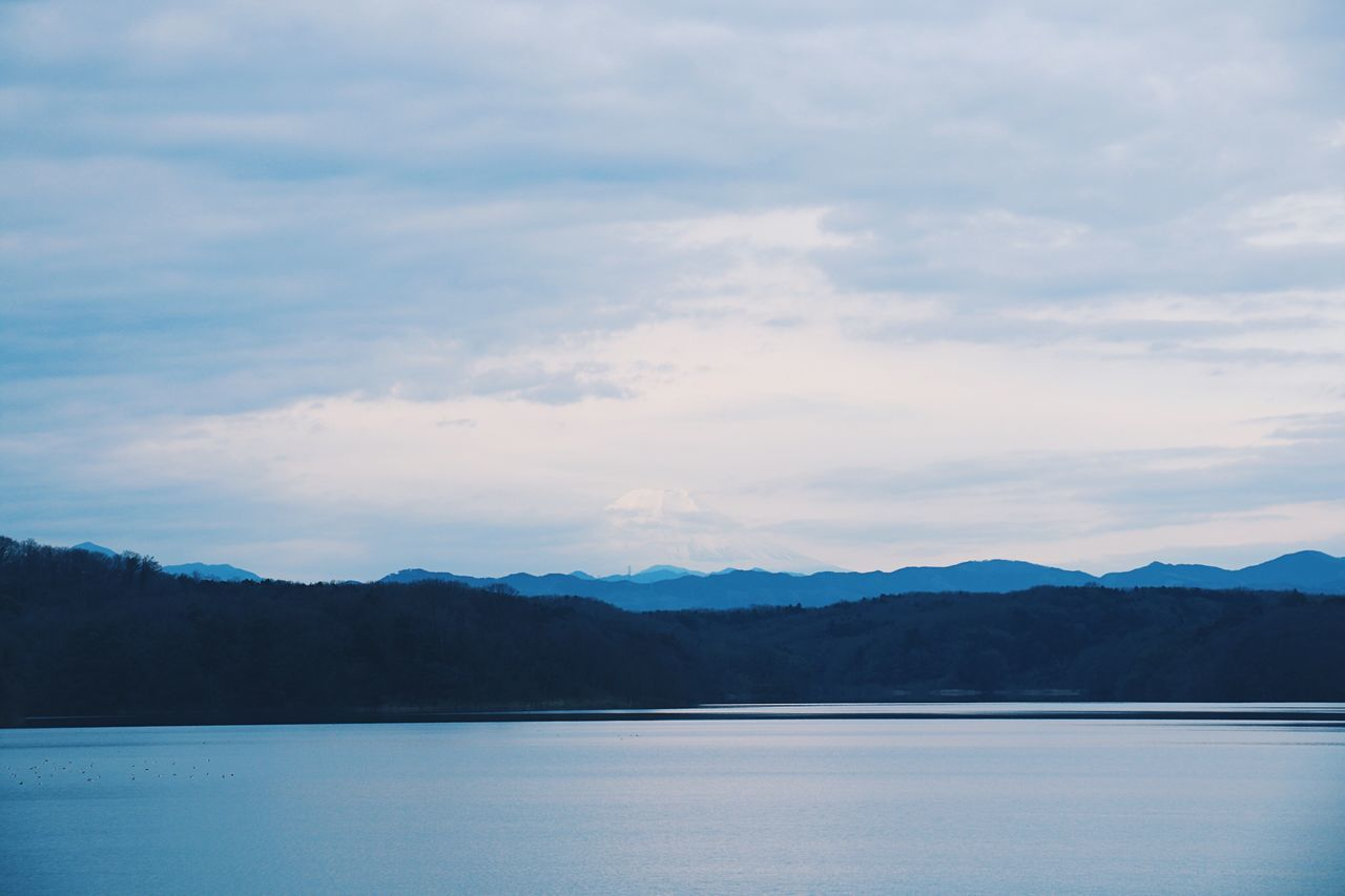 VSCO Vscogood Vscocam Mountain Sky Scenics Tranquility Beauty In Nature Nature Water Mountain Range Tranquil Scene Outdoors Lake Waterfront No People Cloud - Sky Landscape Day