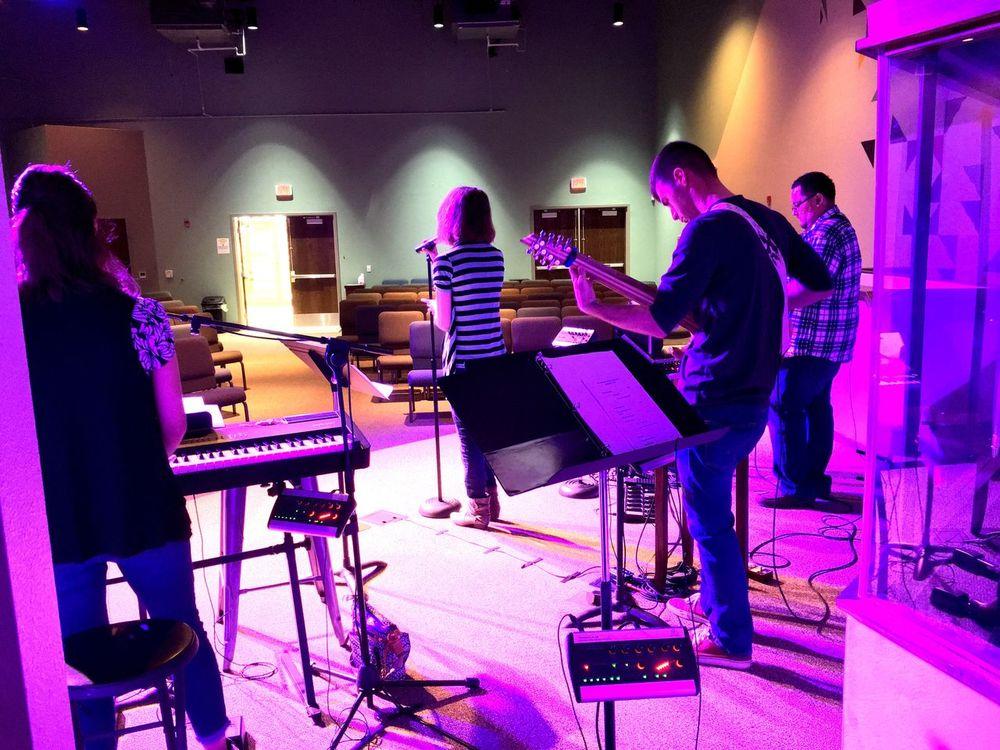 Make a joyful noise Worship