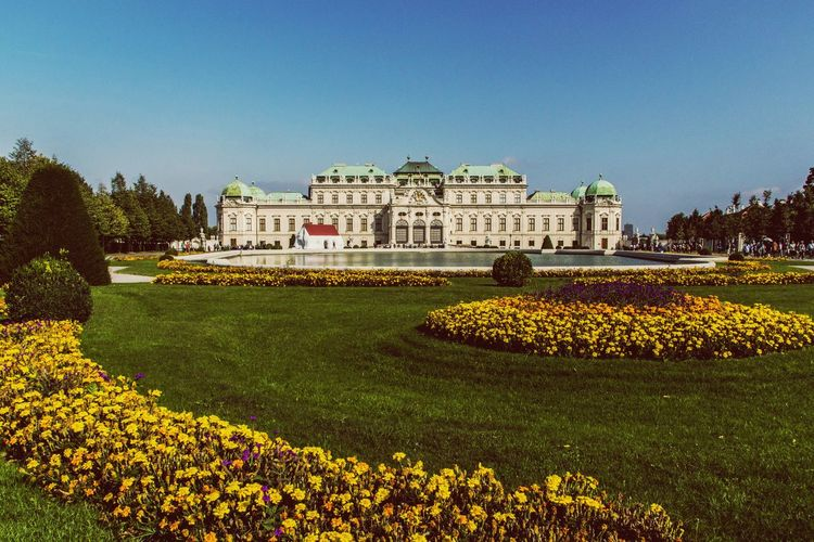 History Architecture Built Structure Outdoors Travel Destinations Clear Sky EyeEm First Eyeem Photo Canonitalia Photographer Eye4photography  Eyeemphoto Canonphotography EyeEm Selects Canon EOS Traveling Photography Building Exterior Travel Destination Streetphotography Streetphotographer Streetphoto_color Wien Shönbrunn Sissi's Palace