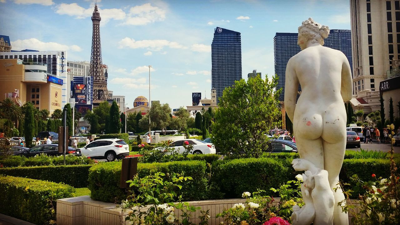 Viva Las Vegas. Butts Lipstick Kiss Kiss My Ass Las Vegas Statue Caesar's Palace  Boulevard Street Photography