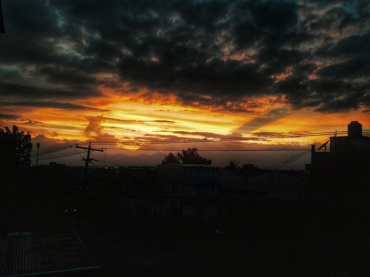 November is just amazing Sunset Beauty In Nature Nature Sky Vscocam Photooftheday Colorful Photography Popular Photos Skyporn Good Landscape_photography Vscogood VSCO Landscape ExploreEverything Photogrid Followforfollow Like Followme Photographer Guatemala