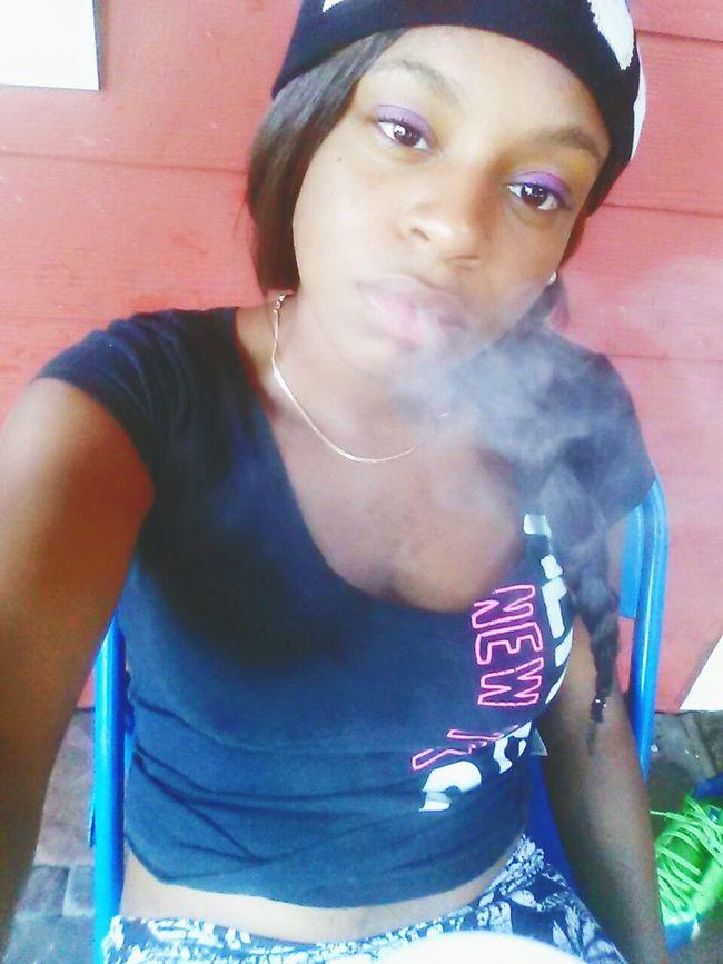 I smoke every blue moon nun a smoker.. @monique_tocanny Fresh Produce Pretti Instagram _pinkciroc
