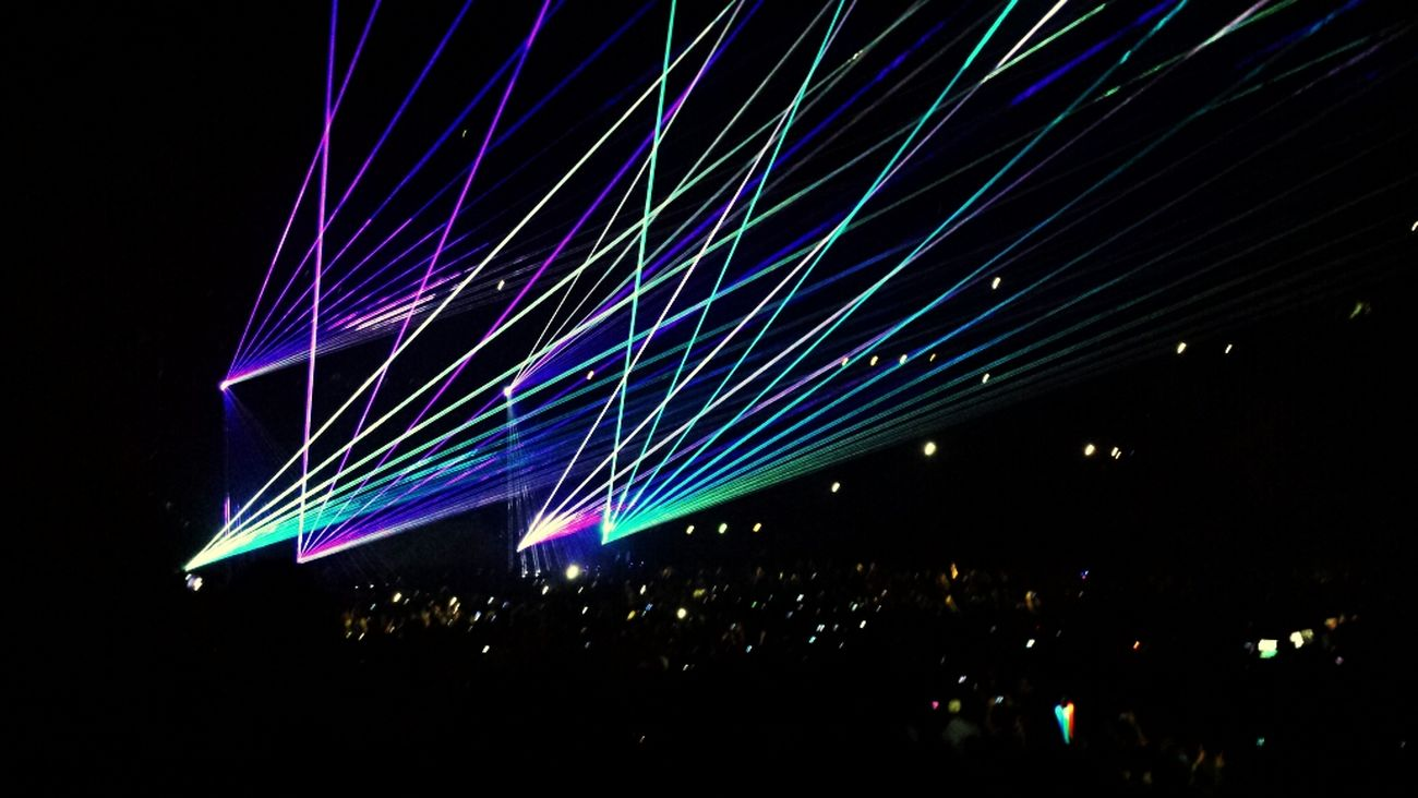 Avicii Lights AddictedToYou Paris