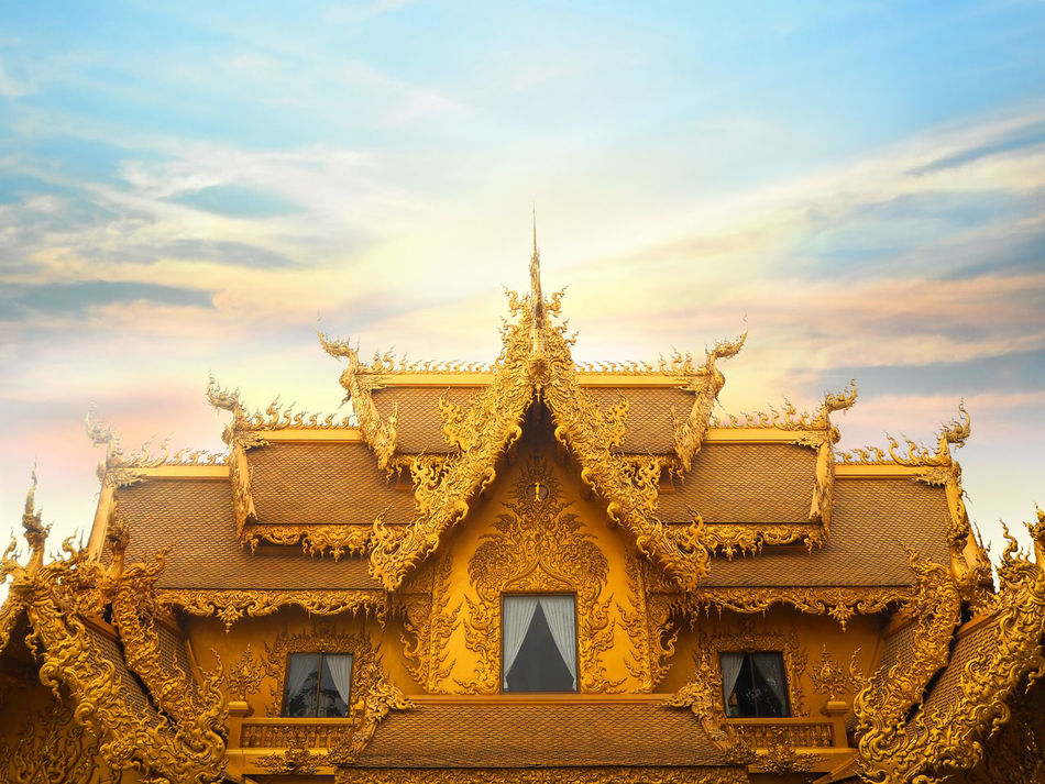 ✨Gold✨ Famous Place Spotted In Thailand My Favorite Photo Exceptional Photographs 43 Golden Moments Gold Historic History How Do We Build The World? Landscape Ornate Outdoors The Great Outdoors With Adobe Religion Sculpture Showcase March Spirituality Statue Tadaa Community Temple Temple - Building The Architect - 2016 EyeEm Awards The Great Outdoors - 2016 EyeEm Awards Travel Wat Rong Khun