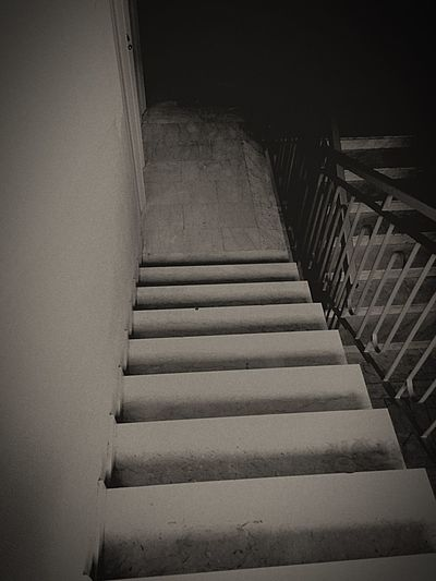 Stairs Dark Down Buio
