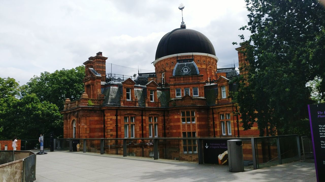 Greenwich Park Greenwich Observatory Building Observatory Museum Greenwich London Building Brick Building Red Brick Building Dome Planetarium Park Park - Man Made Space One Person Day Outdoors Landmark
