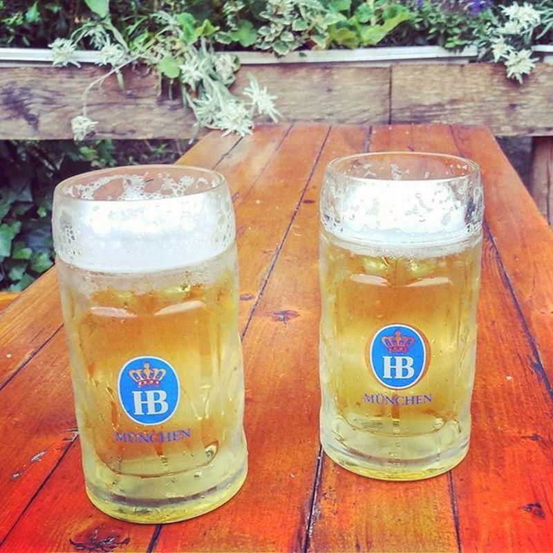 We have 35+°C and beer. Life is good! Beertweet 🍻