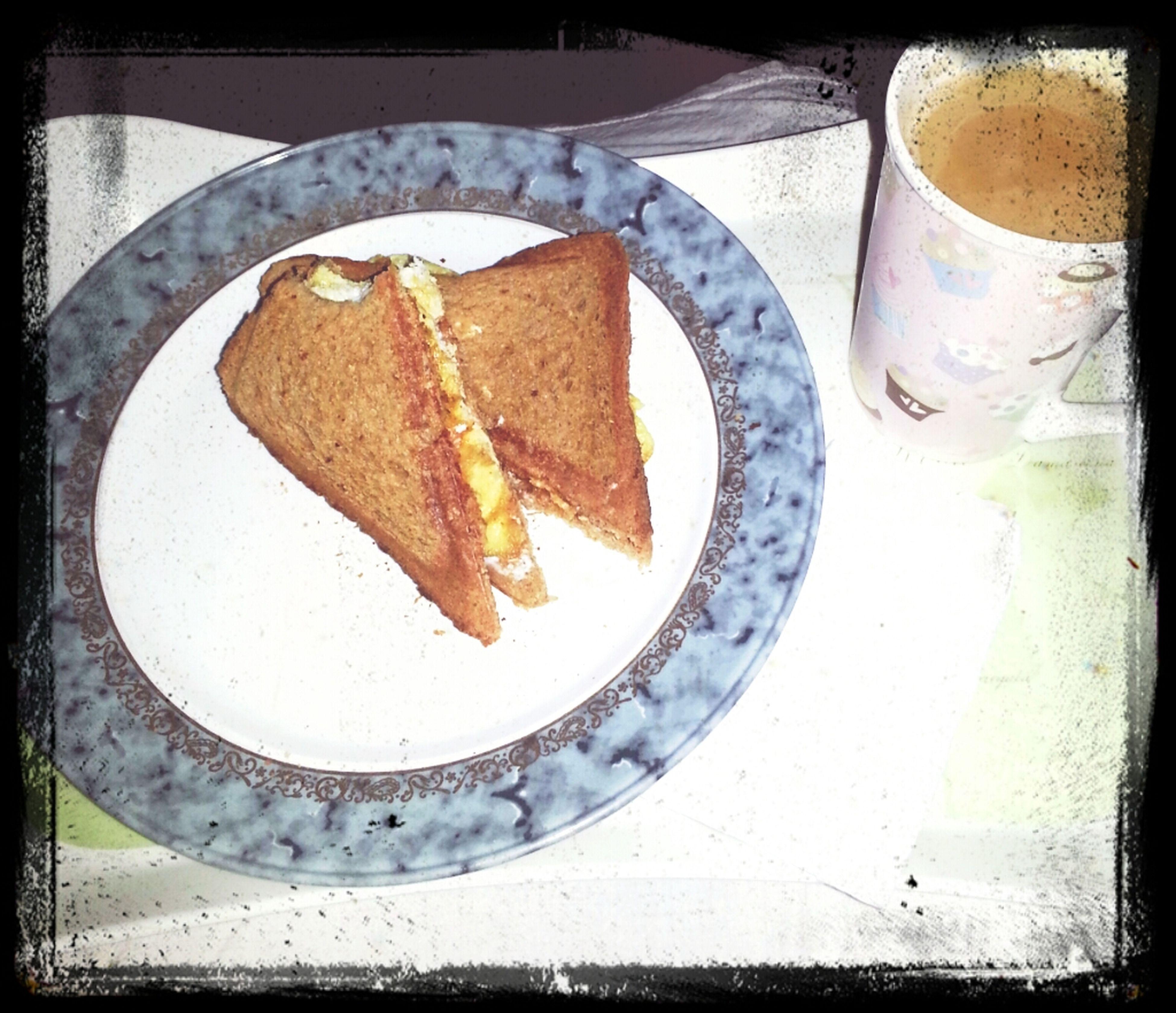صباحكم بيض بالجبن :-P
