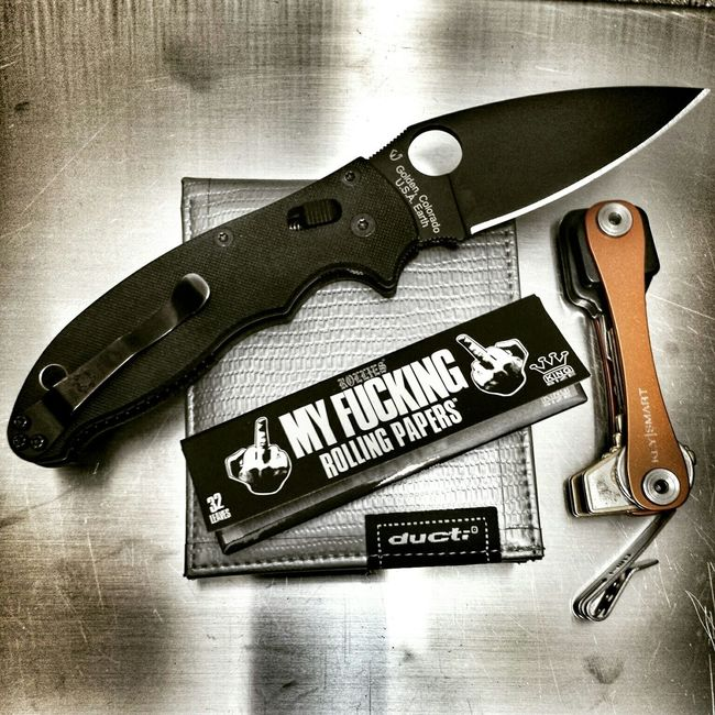 Spyderco Manix2 S30v Ducti Ducttape Wallet Knifeporn EDC Everydaycarry Pocketdump