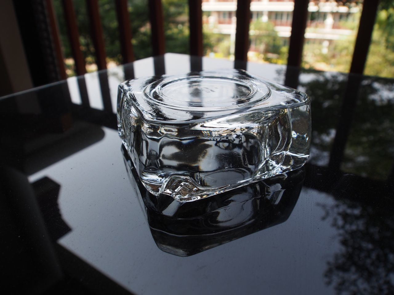 Ashtray Transparent Ashtray Table Close-up No People Indoors  Day Smoke Transparent Freshness Black Table Cigarette Time Cigarette Break Cigar Smoking Cigar Time Cigarsociety Ashtray On Black Table