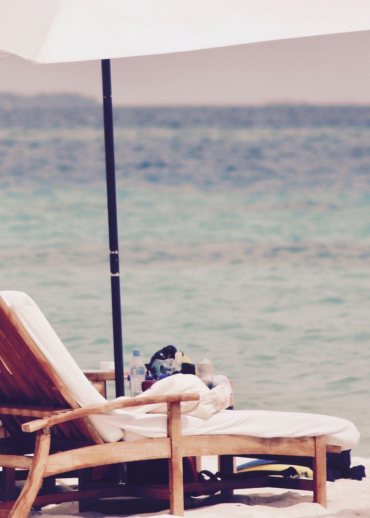 Beach Life Lifestyles Sea Outdoors Nature Travel Sunshine Summer Deck Chair Life Is A Beach Beach Beach Life Colors Light Relaxing Sunbed Scenics Tropical Sand Holiday Nature Design Deckchairs Fun Parasol Horizon Over Water