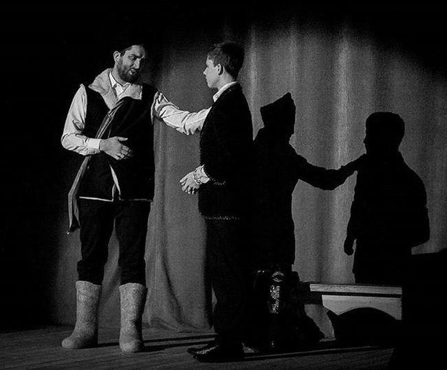 Игра теней на съемке концерта в Долгопрудном. Долгопрудный фотограф Виктория администрация концерт тени игратеней рождество православие фотография фото