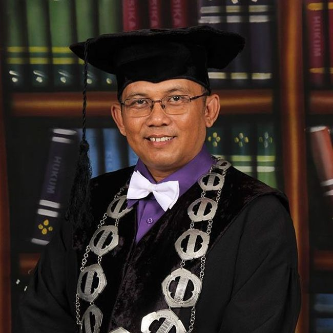 Happy a great new year for all my Igers friends specialy to my almamater and the academic faculty StmikAmikBandung Institutteknologibandung Bandungtechnologyinstitute Success greetings for U all. GBU Tq :