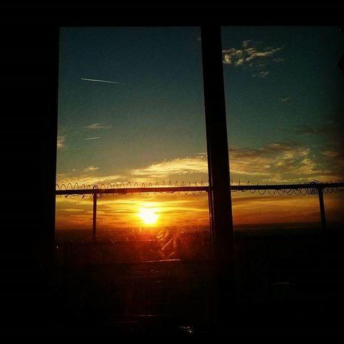 Buenos dias mundo! Amanecer Sol Sun Dawn Rayosdesol Sunlight Cometa Kite Buenosdias