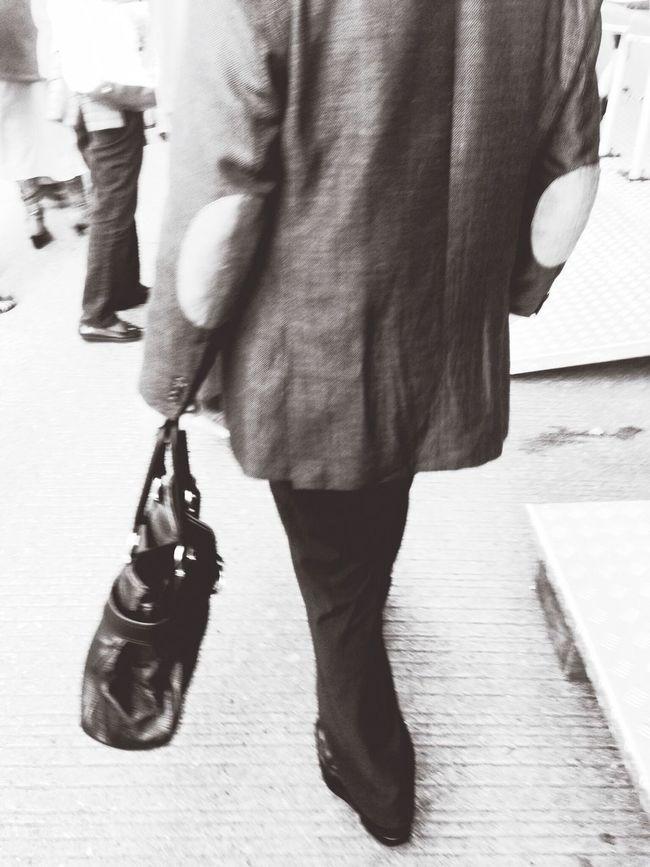 man met een tas