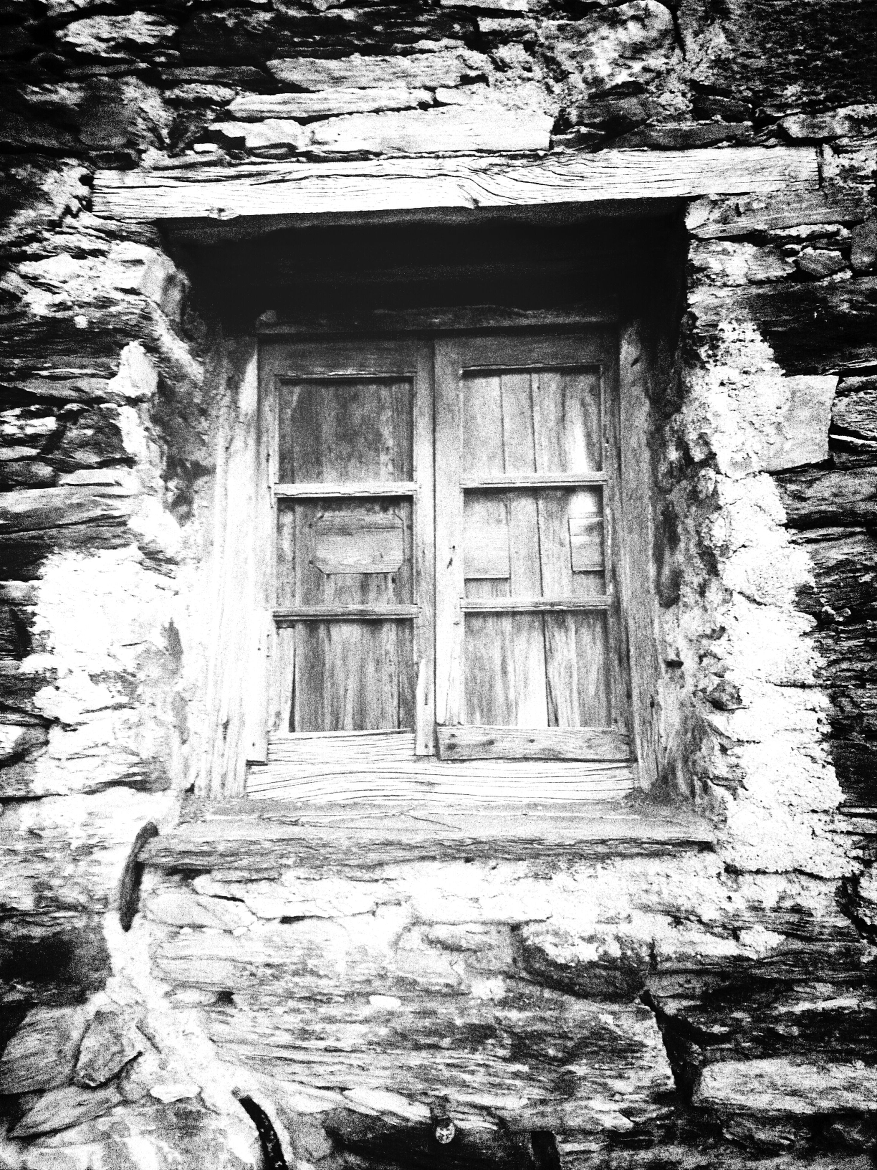 architecture, built structure, building exterior, house, door, window, abandoned, old, weathered, damaged, residential structure, obsolete, wood - material, entrance, closed, deterioration, day, wall - building feature, residential building, run-down