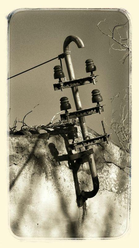Electric pole abandoned station
