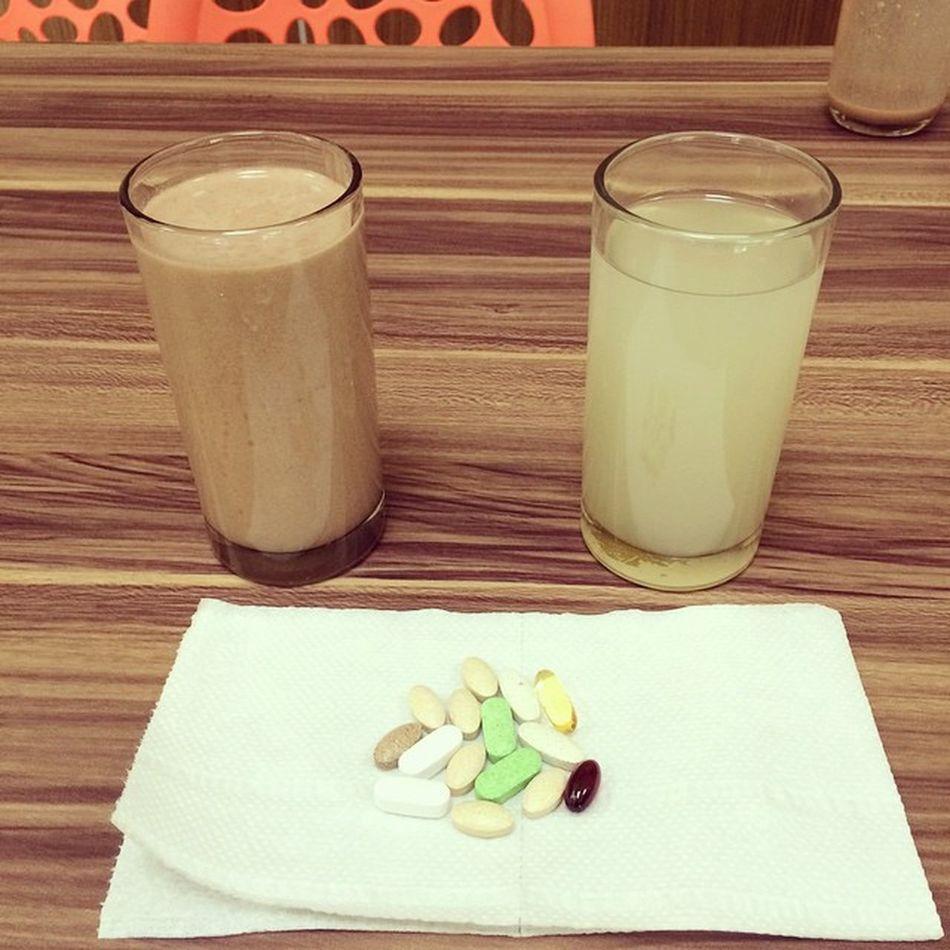 My healthy breakfast: Chocolate Shake + Aloe with NightWorks + my daily dose of food supplements:) Herbalifeph Healthybreakfast