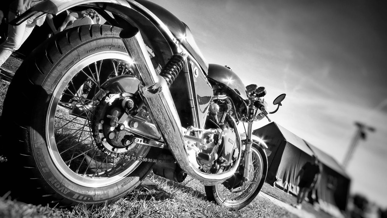 Motorcycles Egli Vincent Godet Caferacer Check This Out Ride Or Die Taking Photos Wheelsandwaves Wheels&waves Enjoying Life Beastofbeauy EyeEm Best Shots Eye4photography  Blackandwhite Photography Rocknroll Vintage Popular Photos Eyemphotography