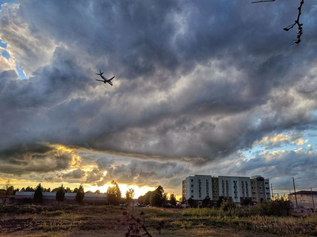 """Flyin"" Cloudscape Planes Flying Sunset Pdx Snapseed Unknown Photgraphy Nexus6P"