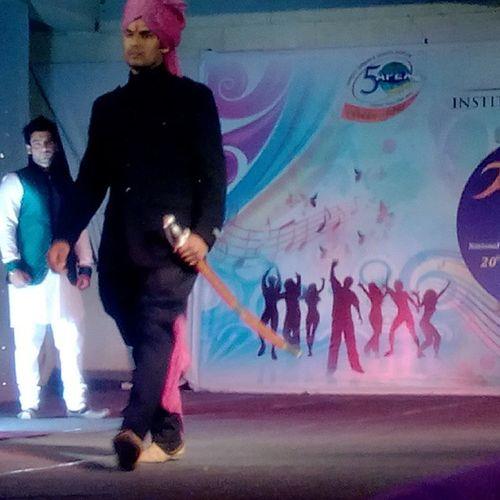 Aagaz_2015 Ramp_walk Banna Rajputi_Attire Royalty 👑 Sword😃😊💫✨