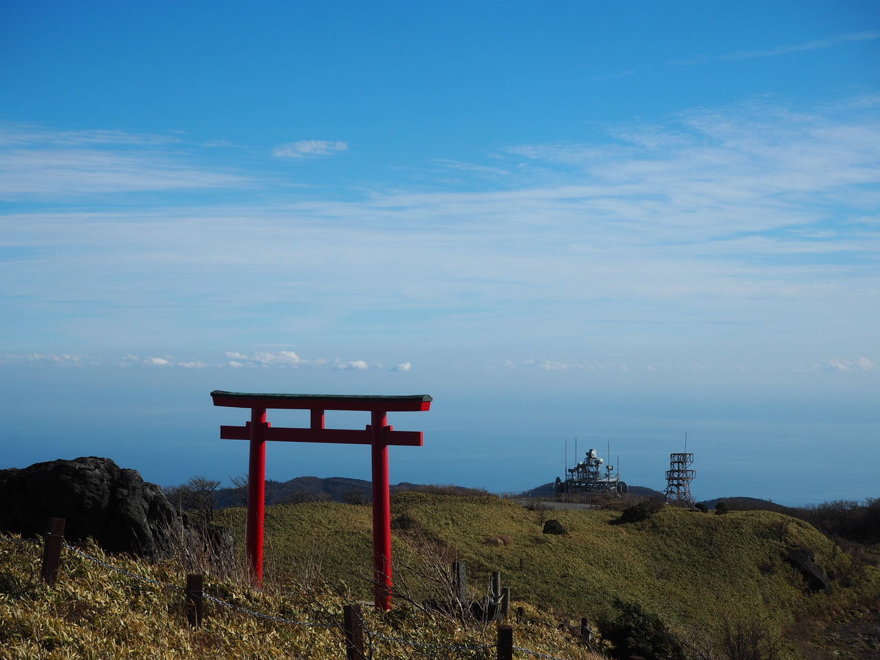 No People Beauty In Nature Japan Sky Mountain Shrine Red 鳥居 だれもいない 永遠 の 入り口
