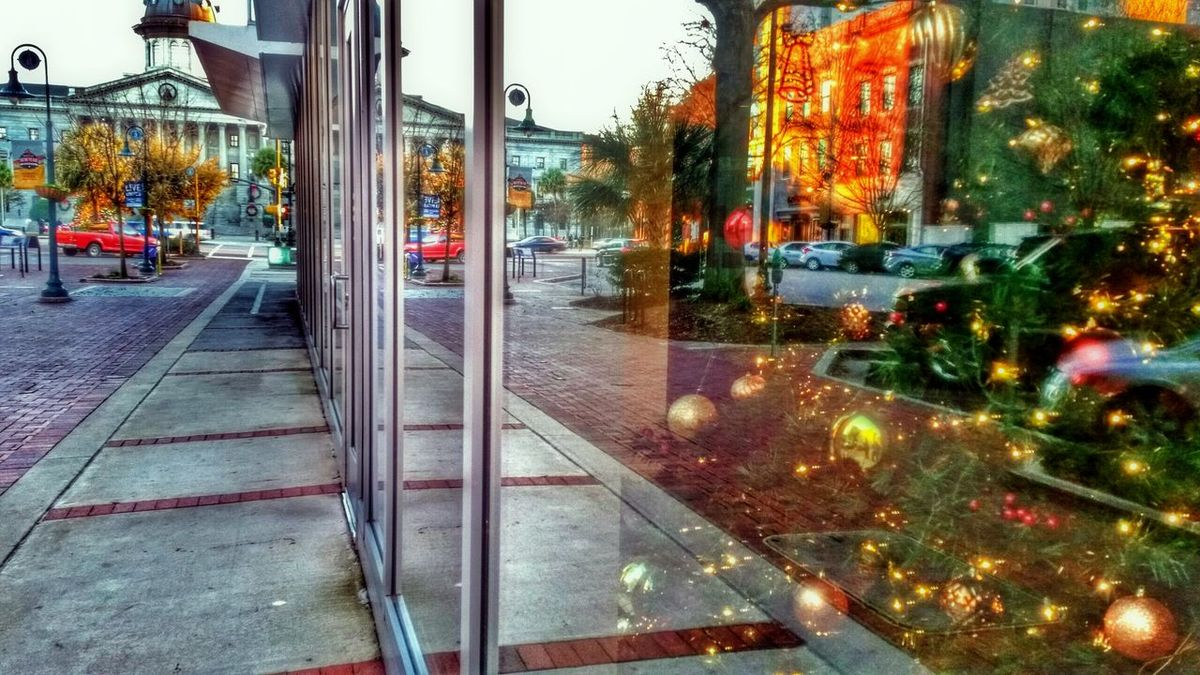 Urban Reflections looking toward the Statehouse -- Best Christmas Lights Try Something Different Downtown Reflection Architecture Buildings Window Reflections Urban Geometry Urban Exploration Urbanexploration Urbex Urban Light And Shadow HDR Hdr_Collection Lights Christmas Tree Christmas Lights Ornaments Holiday Decoration The Architect - 2016 EyeEm Awards