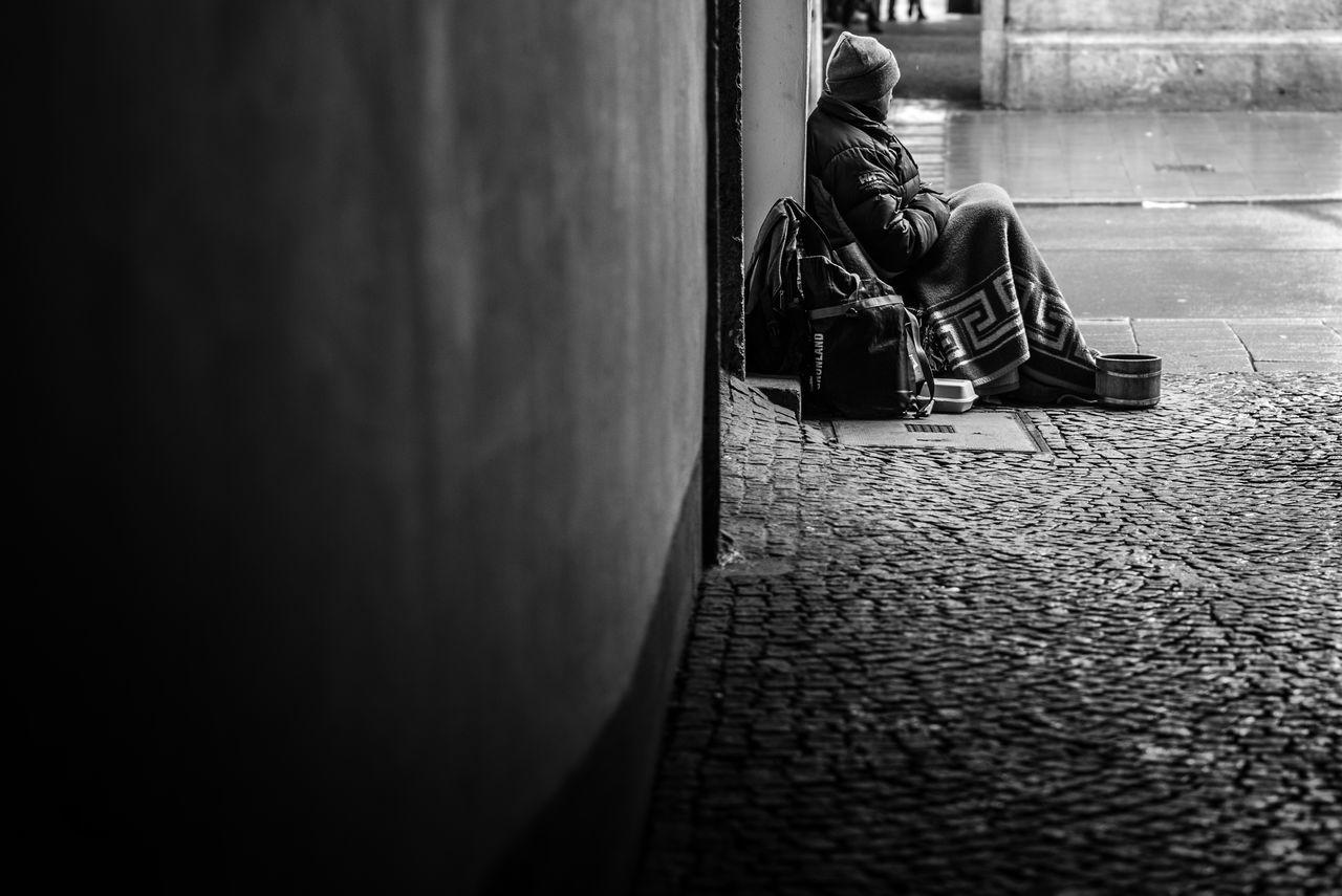 Alone Begging Black & White Black And White Black&white Blackandwhite Blackandwhite Photography Homeless Italia Italy Man Sitting Sitting Man Street Street Photography Streetphoto_bw Streetphotography