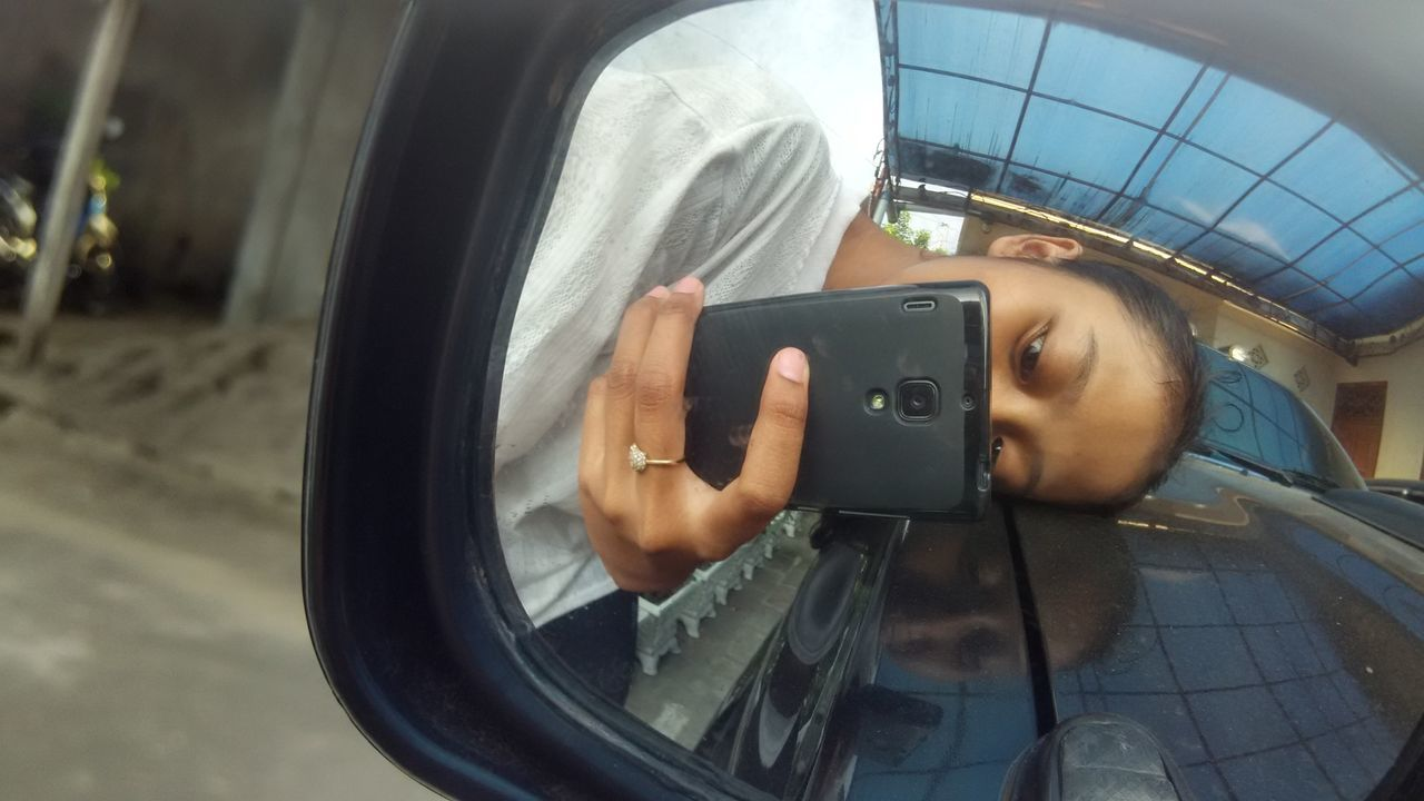 Hi! Cheese! That's Me Taking Photos Selfie ✌ Mirror Selfie Mirror Picture Car Photo Enjoying Life EyeEmBestPics EyeEm Gallery Xiaomiindonesia Xiaomiphotographyindonesia Xiaomi Redmi 1s Xiaomi Redmi 1s Photo Natural Nature Photo No Edit No Filter