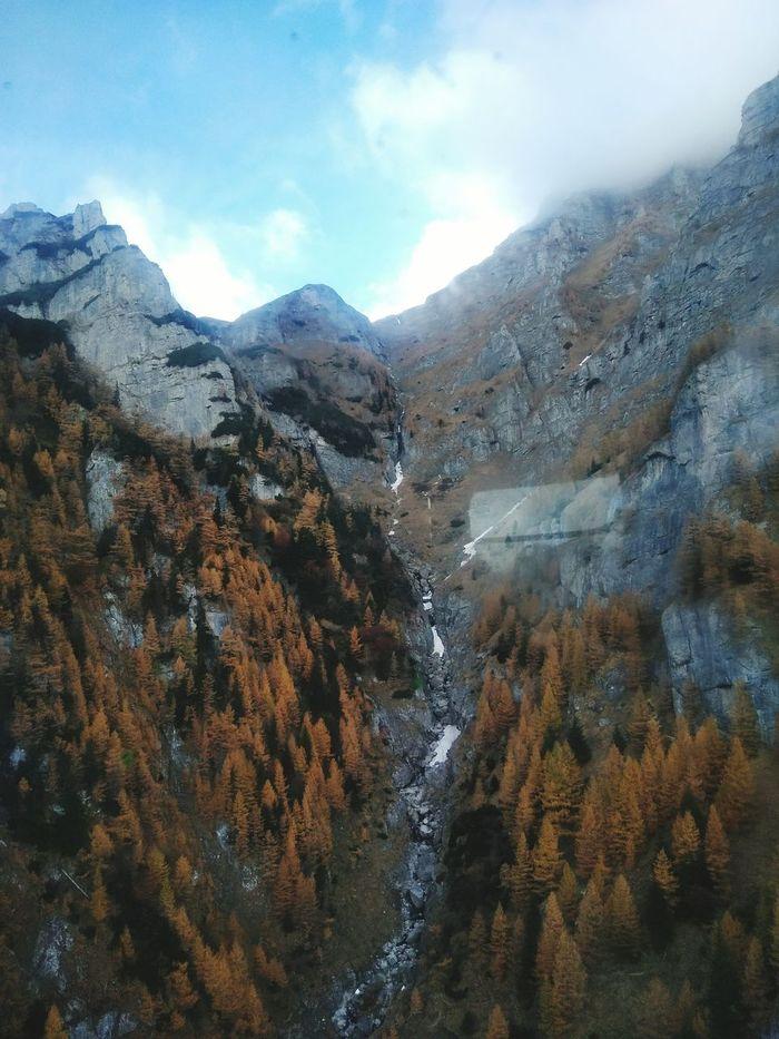 Valea Caraimanului Nature Scenics Mountain Range Beauty In Nature Cloud - Sky Landscape