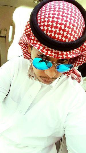 Saudi Man Taking Photos Check This Out Hello World Cheese! Relaxing Enjoying Life First Eyeem Photo