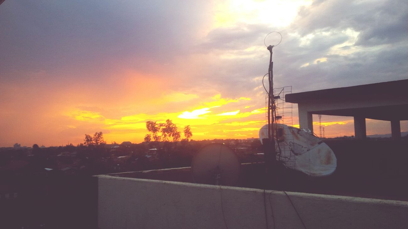 Sunsets :) From The Rooftop Nature Urbanscape My Happy Place  Gottalovetheskies <3