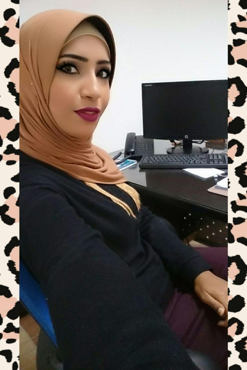 Portrait Relaxation Happiness Cheerful Beauty People Smiling Beautiful People Hijab Hijabfashion Simply Me ❤ Hijabstyle  Hijabbeauty Hijabgirl Hijabselfie Hijaber Hijabista Hijaboftheday Hijab Session Hijabdaily Beautiful Woman Women Lips Eyes Picoftheday