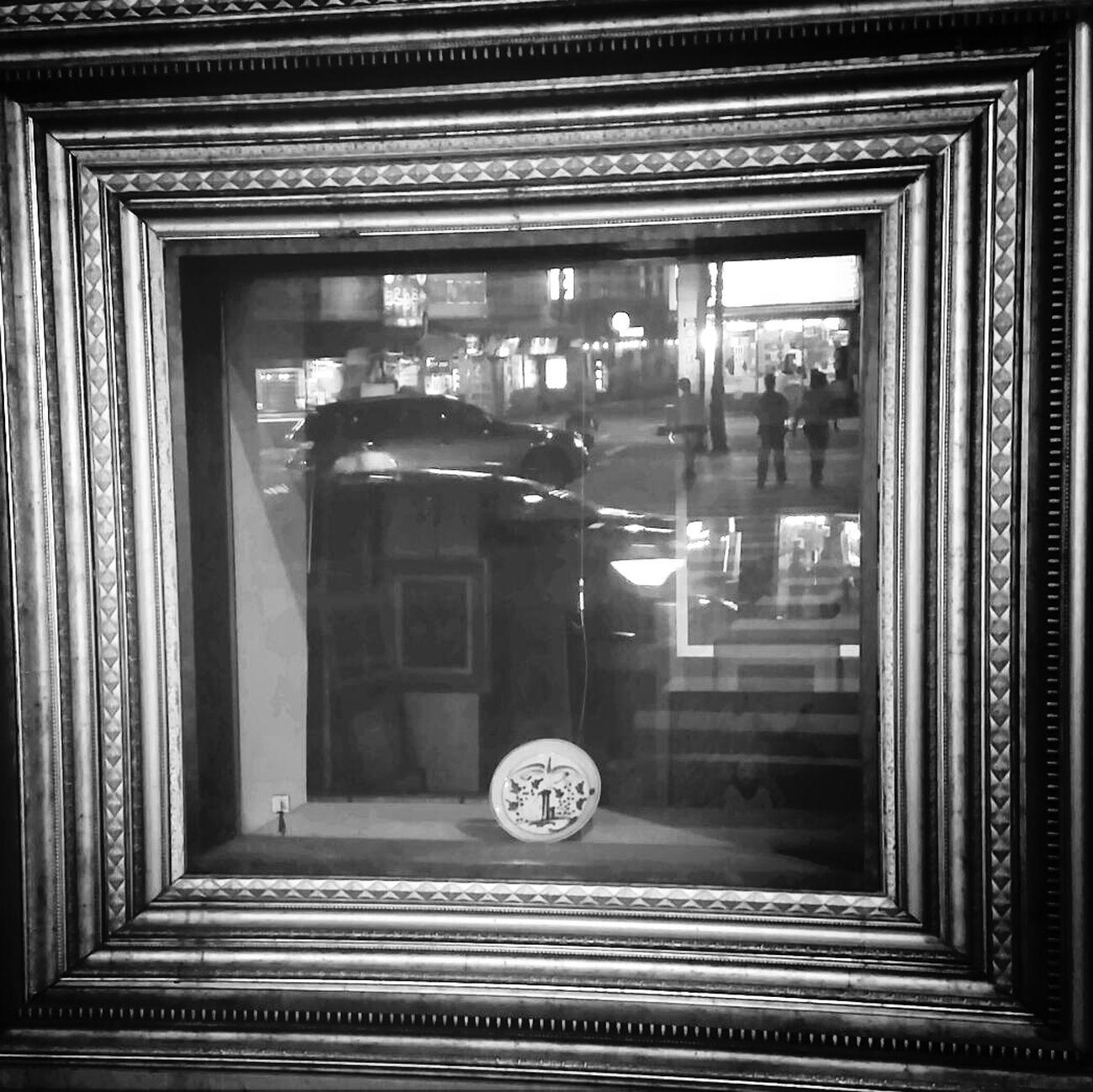 Window Monocrome Showwindow Black & White