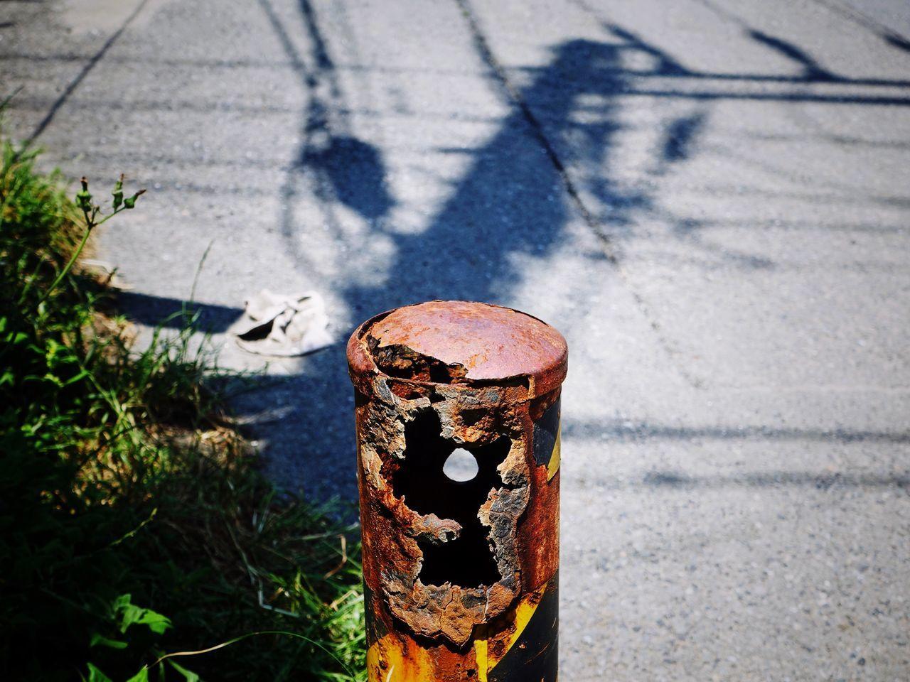 Rust Roadside Rusty Sunlight Shadow Light And Shadow