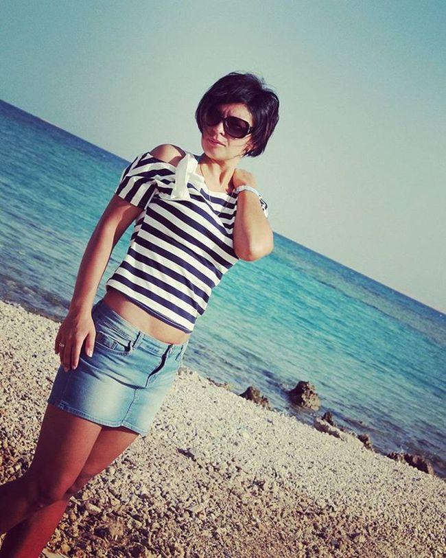 Like Like4like Sun Sea I Instalike солнце Море песок пляж египет хургада я Это женское уменье, словно тыщу лет назад, странно и одновременно ждать, молить и ускользать. Быть собой, не повторяясь. Верить клятвам, не шутя. Приближаться, отдаляясь. Оставаться, уходя..